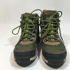 LL Bean Hiking Boots Women Size 7 Green Waterproof